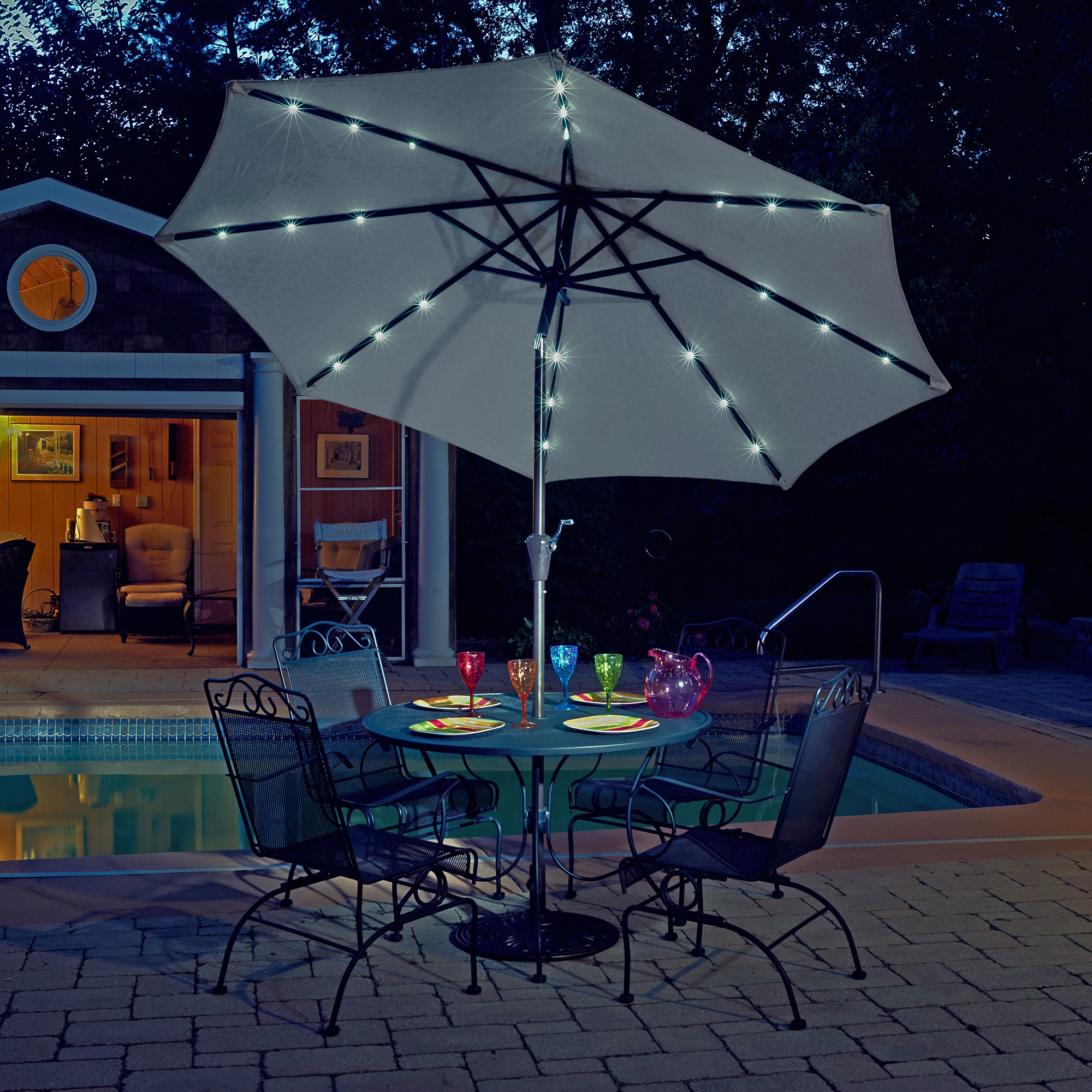 Island Umbrella Mirage Fiesta 9 Ft Market Solar Led Auto