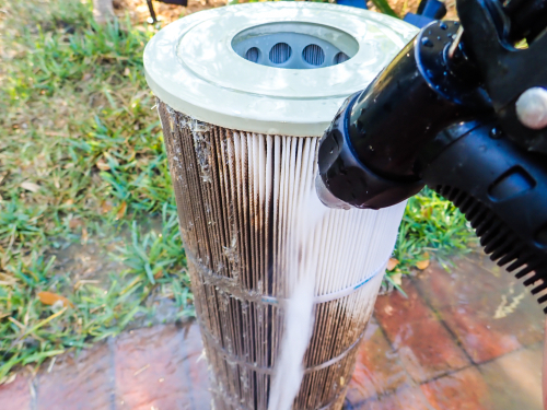 cleaning dirty water filter