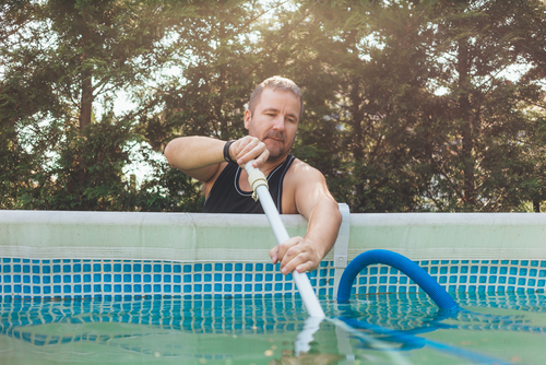 Choosing the Best Pool Vacuum: Inground and Above Ground Cleaners